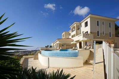 Modern Apartment With Sea View in Peyia- BV5