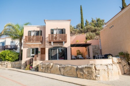 Detached villa with private pool – KP7